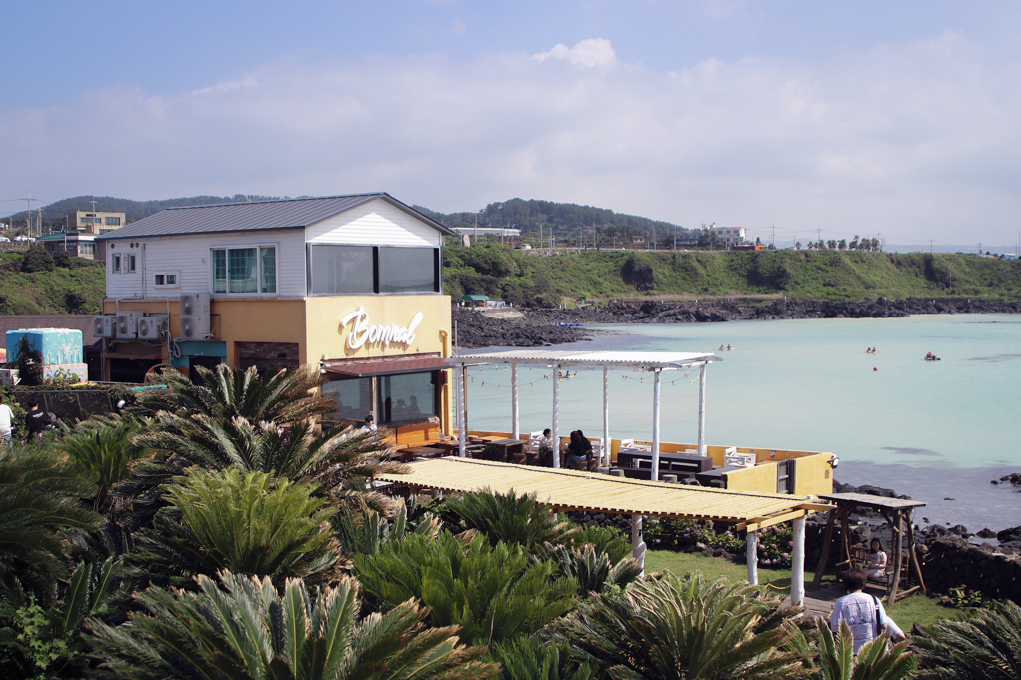 Beautiful cafe in Jeju Overlooking the Ocean